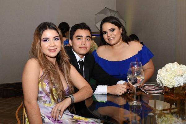 Andrea Anduray, Anthony Ríos y Gabriela Ríos