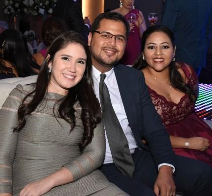 Astrid de García, Fernando García y Andrea Coello