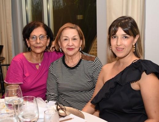 Bessy Reyes de Guevara, Ada María Burgos y Keren Valle