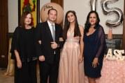 Noche color de rosa en los 15 de Andrea Sofía
