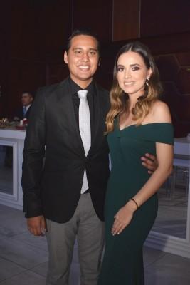 Daniel Ochoa y Gabriela Muñoz.