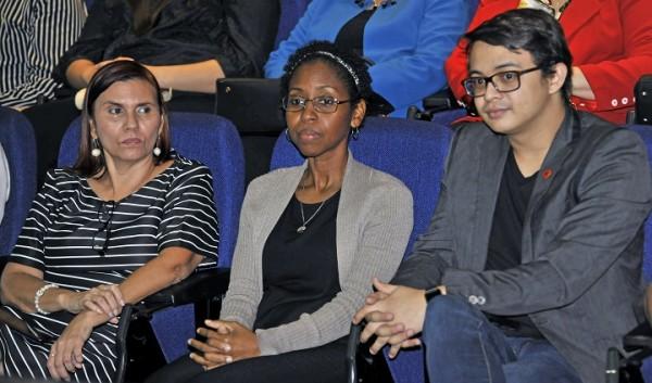 Donald Boyle, Marilú Muñoz y la Doctora Dania Mena, miembros de UNITEC que