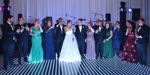 Durante el brindis nupcial, donde ambas familias desearon lo mejor para los esposos Ramírez - Reyes.