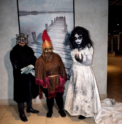 El cadejo negro, el duende y la llorona, en la Halloween Party del Hotel Hyatt Place de SPS