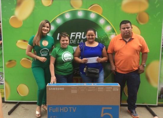 """Néctares Frí…íto Natura´s inició la gira """"La Fruta de la Fortuna""""  para apoyar la educación del país"""