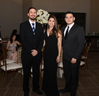 Francisco Martínez, Pamela Quezada y Fernando Madrid