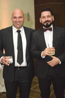 George Gatlin y Omar Ártica.