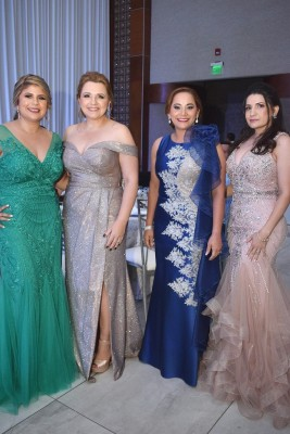 Gloria de Pérez, Indira Toro, Yohana de Zambrano y Wendy López.