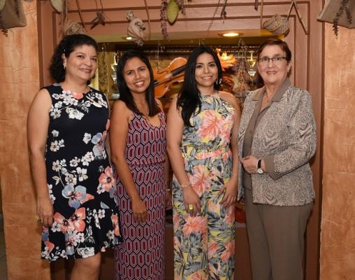 Griselda Sigüenza, Lidia Rápalo, Miriam Manzano y Suyapa Laguna