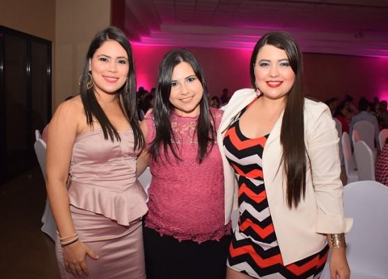Heissel Alvarado, Paola Ortega y Verónica Sabillón.