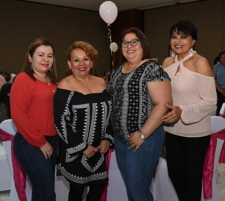 Janice Briones, Nora Castillo, Azucena Miranda y Marta Tejada