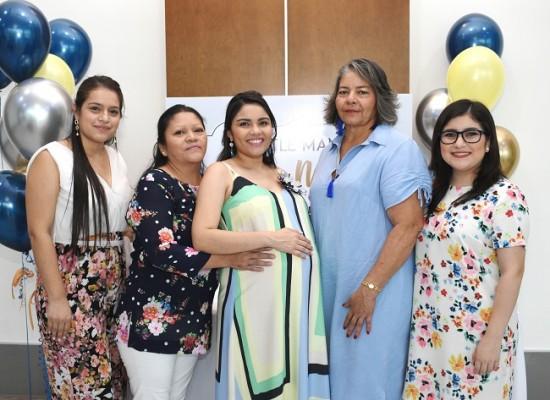 Jissel Figueroa, Bernarda Cruz, Diana Luz Florentino de Cáceres, Blanca Coello y Alejandra Cruz.