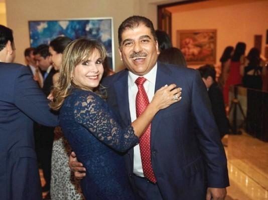 El cumpleañero, Jorge Faraj y su esposa Elenita Pumpo de Faraj.