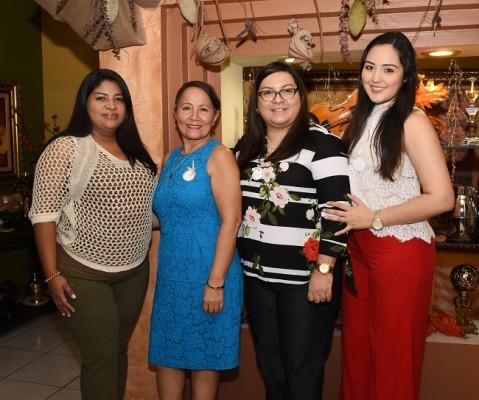Karen Gutiérrez, Margarita Obando, Luz Yanez y Nicole Mejía