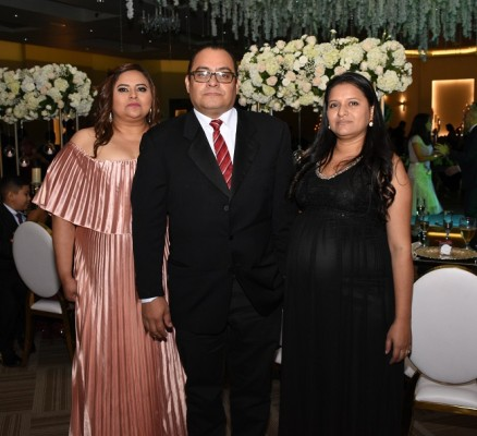 Karina Hernández, Edy Roldán y Francisca Enamorado