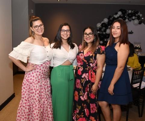 Karla Coello, Abigail Brito, Andrea Díaz y Elisa Madrid