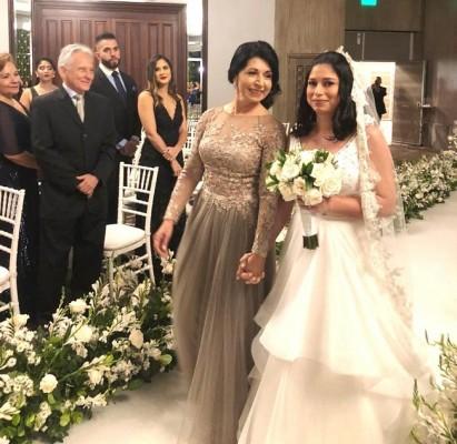 La novia con su madre, Digna de Núñez