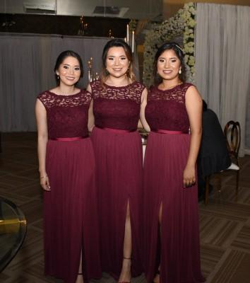 Las damas del cortejo de la novia en una imagen para recordar
