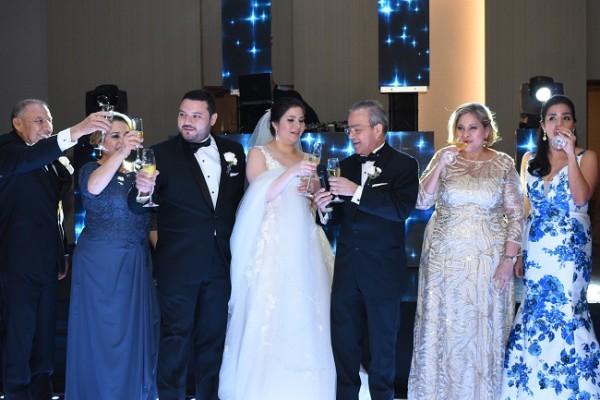 Las familias Cardona-Cerrato y Sánchez-Martínez, brindaron por la eterna felicidad de los recién casados