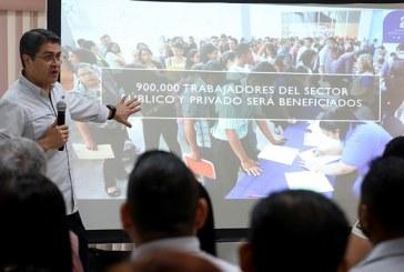 Hernández continúa con la socialización de la Ley de Alivio de Deuda con trabajadores de maquila