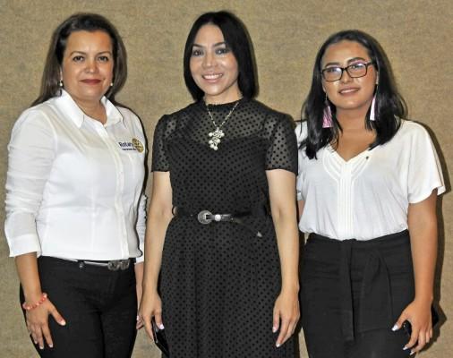Lidia Villeda, María Luisa Fernández, Jessenia Martínez.
