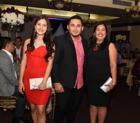 Liliana Amaya, Elmer Machado y Martha Amaya
