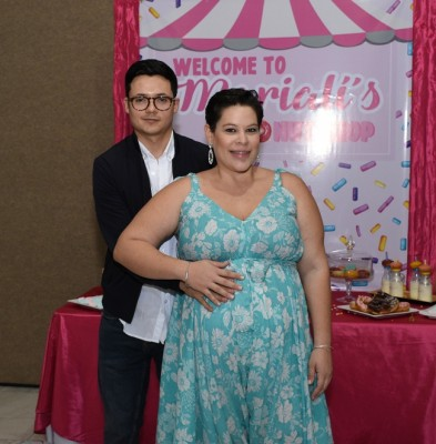 Los futuros padres de la pequeña Marialí, Ligia Monteilh y Jesús Paredes