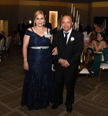 Los padres de la novia, Luis Girón y Jaqueline Gutiérrez de Girón.