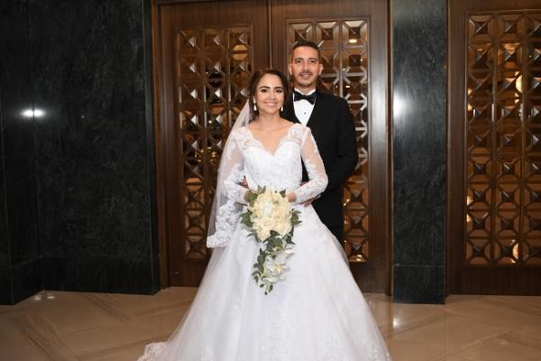 Los recién casados disfrutan de su luna de miel en Roatán y retornarán a SPS el 10 de noviembre