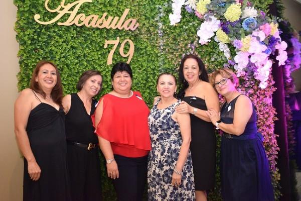 Maribel Alvarenga, Claudia Hernández, Nohemi Nassar, Brenda Tovar, Ana Miriam Alvarenga y Ana Burgo