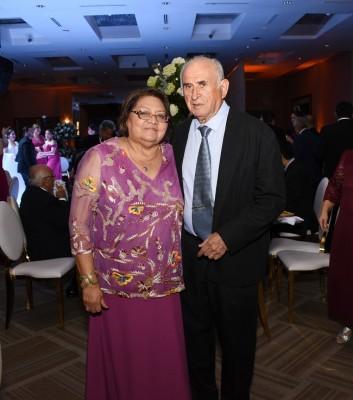 Mario y Antonieta Escobar