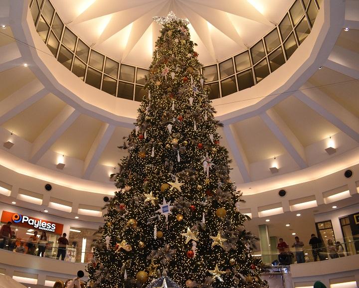 Multiplaza inaugura la mágica temporada navideña en San Pedro Sula