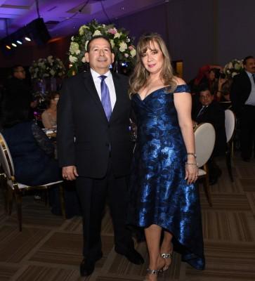 Nelsy de Bográn y Óscar Bográn