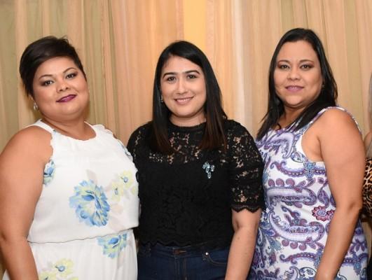 Norma Bonilla, Dania Morales y Karla Bonilla