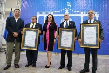 Entregan Premios Nacionales de Ciencia, Arte y Literatura 2019 a tres connotados hondureños