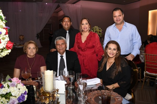 Ramón Figueroa, Alicia Franco de Figueroa, William Hall, Orlanda de Noriega, Guillermo Noriega y Ligia de Hall