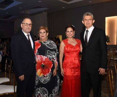 Roberto Panting, María Eugenia Panting, Marilú Pineda y Óscar Pineda