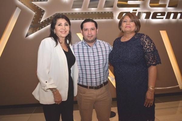 Rosario Castillo, Jesús Cribas y Marlen Murillo.