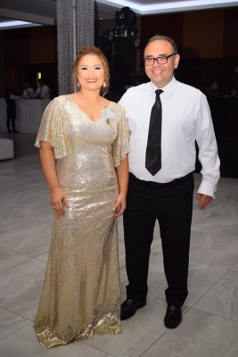 Seidy Esquivel y Roberto Méndez.