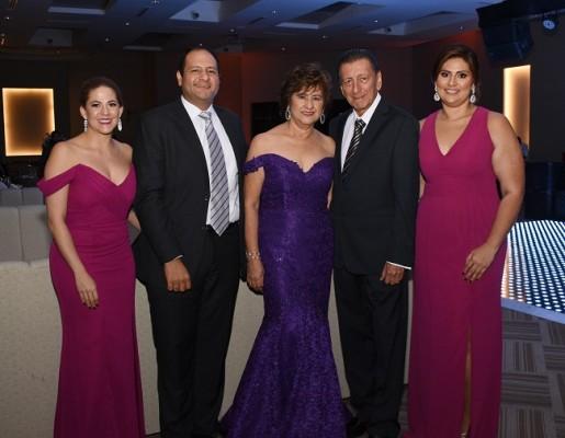 Tali Keidar, Carlos Cárdenas, Gladys Cárdenas, Edisson Cárdenas y Gladys Emilia Cárdenas
