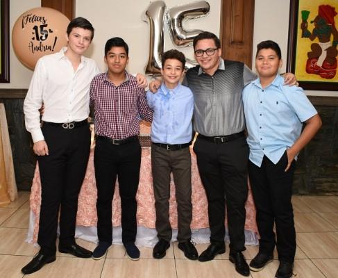 Víctor Chinchilla, Roberto Valladares, Gerardo Solano, Efraín López y Marcelo Cruz