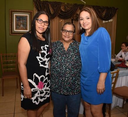 Vicenta Romero, Gloria Peña y Mariana Núñez