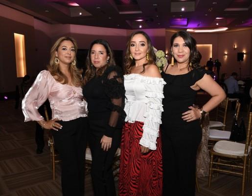 Waldina Espinoza, Ondina Zelaya, Carolina de Flores y Doris de Handal