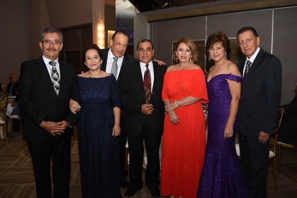 Wilfredo Guzman, Julieta Guzman, Ricardo Bueso, Gerardo y Norma Herrera, con Gladys y Edisson Cárdenas