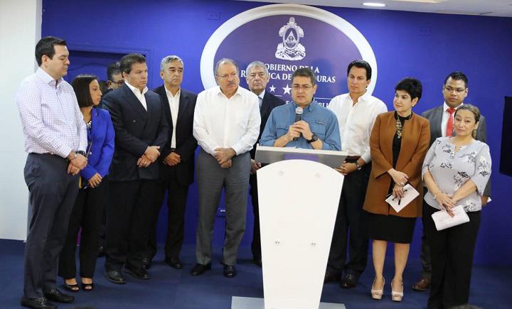 Gobierno y maquila firman acuerdo para generar 15 mil nuevos empleos para el año 2020