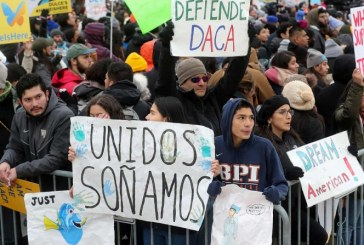 Corte Suprema de EEUU se inclina a poner fin al programa DACA