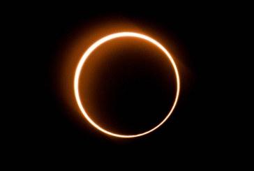 Extraño eclipse solar con 'anillo de fuego', el último de la década