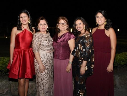 Andrea David, Lucy García, Norma de Pérez, Fernanda Aguilar y Esther David