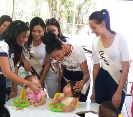 Ayer, las participantes del Teen Universe Honduras visitaron en hogar de niños especiales en Peña Blanca, Cortés.