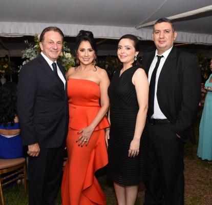 Ben y Osiris Masi, junto a Karen y Juan Paredes